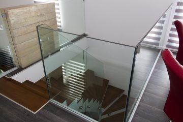Beltéri üvegkorlát