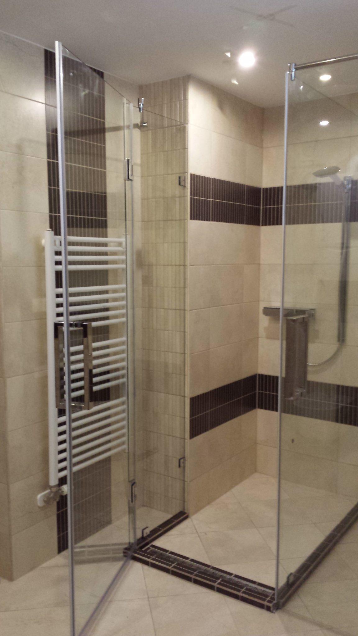 Fürdőszoba és az üveg találkozása - Üveg-Konstrukt